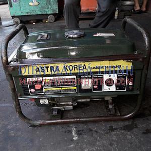 Máy phát điện dân dụng Astra Korea EC2500CX